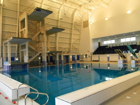 Garons-Pool-Dive-Tower-Pool-640x480